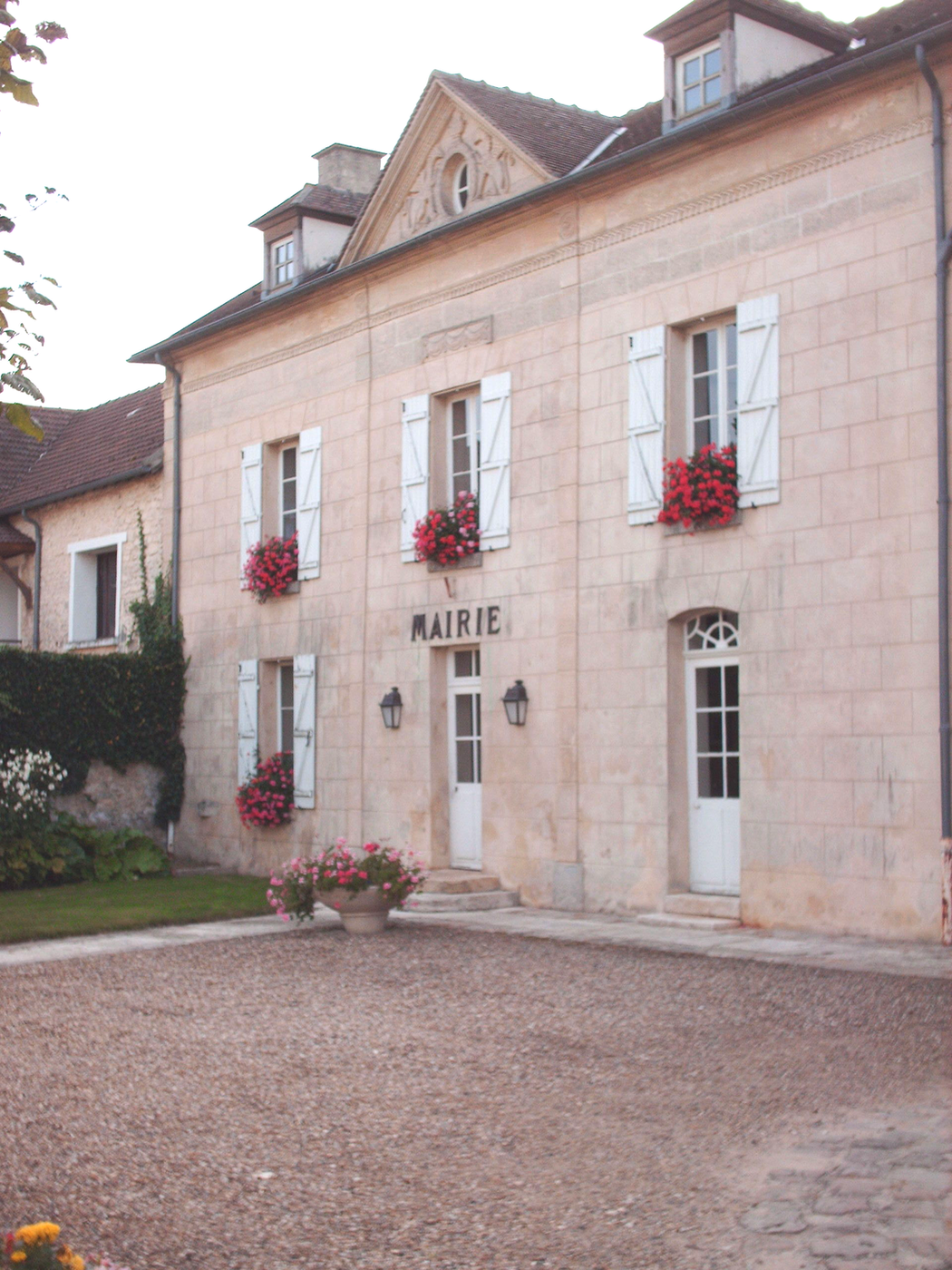 façade de la mairie de Genainville