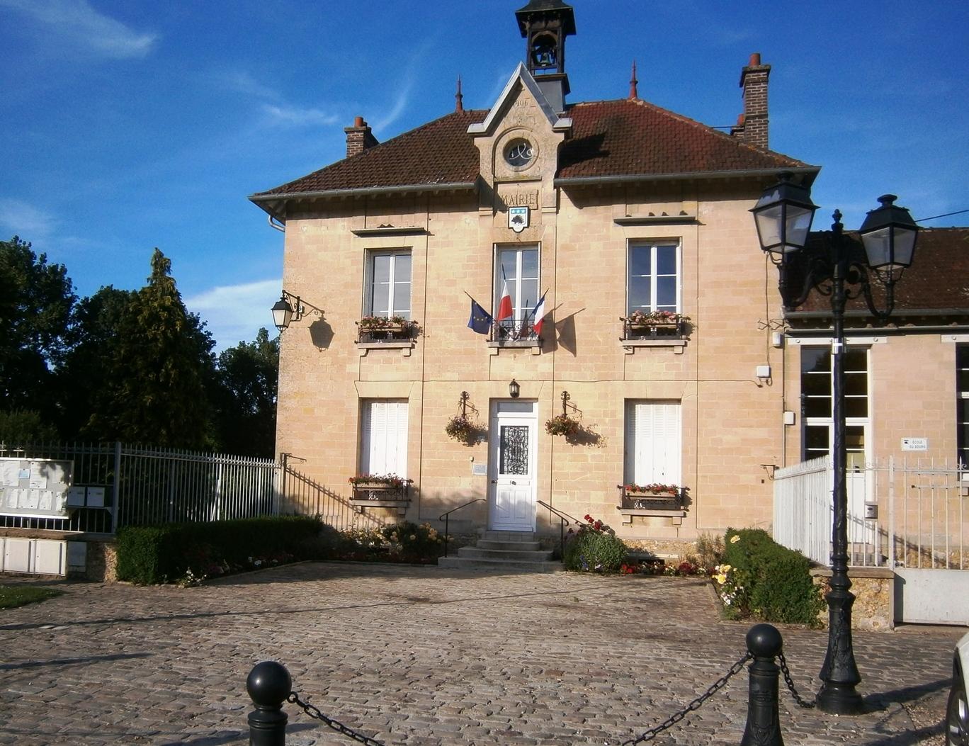 façade de la mairie de Ableiges