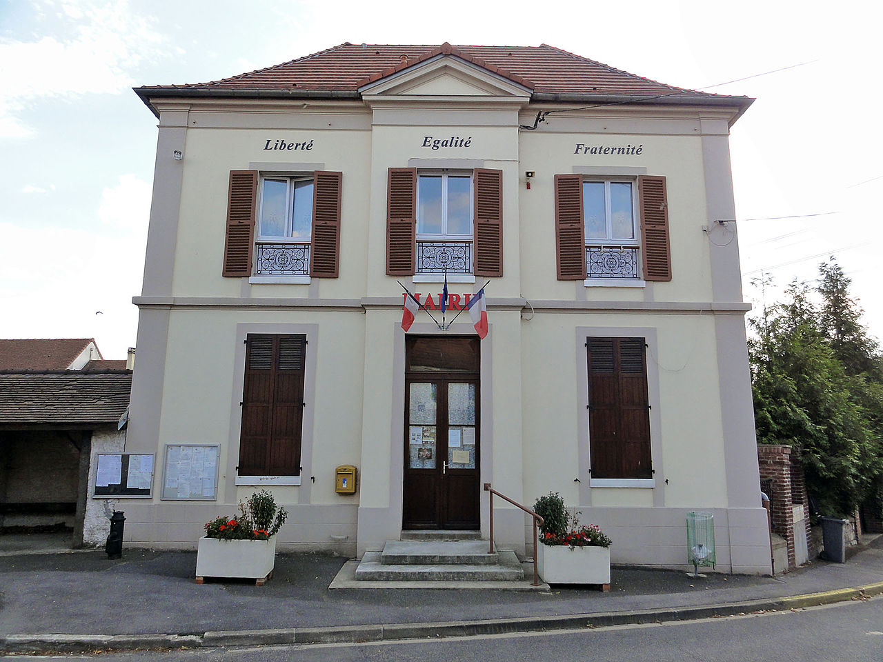 façade de la mairie de Bouqueval
