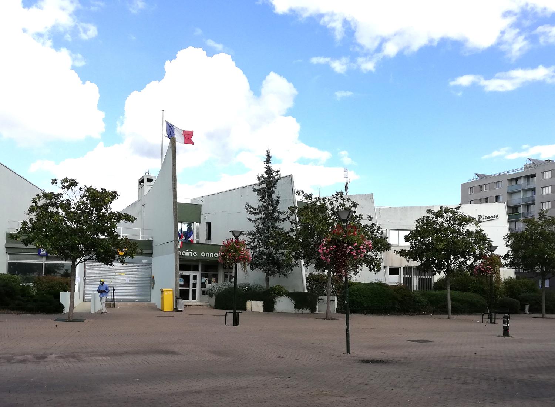 façade de la mairie de Montigny-les-cormeilles
