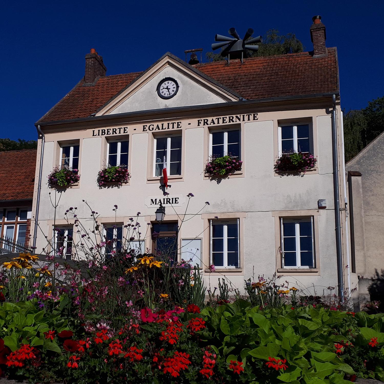 façade de la mairie de Bethemont-la-foret
