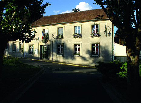 façade de la mairie de Champagne-sur-oise