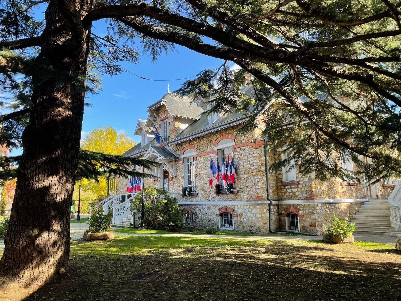 façade de la mairie de Saint-prix