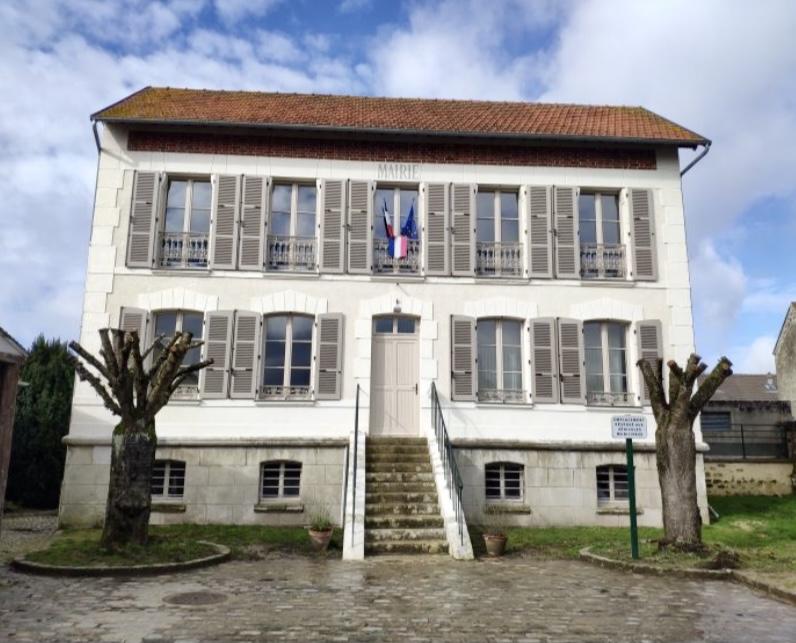 façade de la mairie de Le perchay