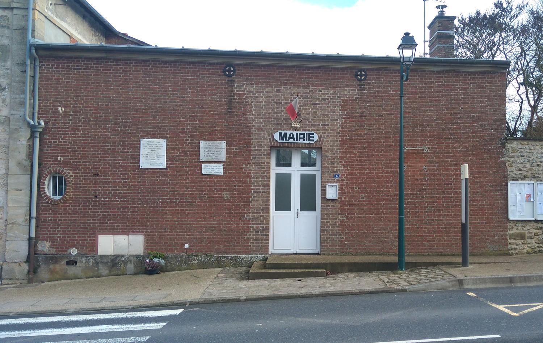 façade de la mairie de Charmont