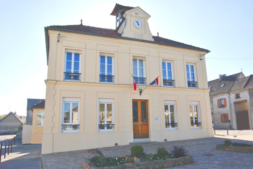 façade de la mairie de Le mesnil-aubry