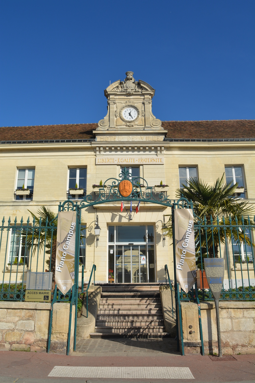 façade de la mairie de Pontoise