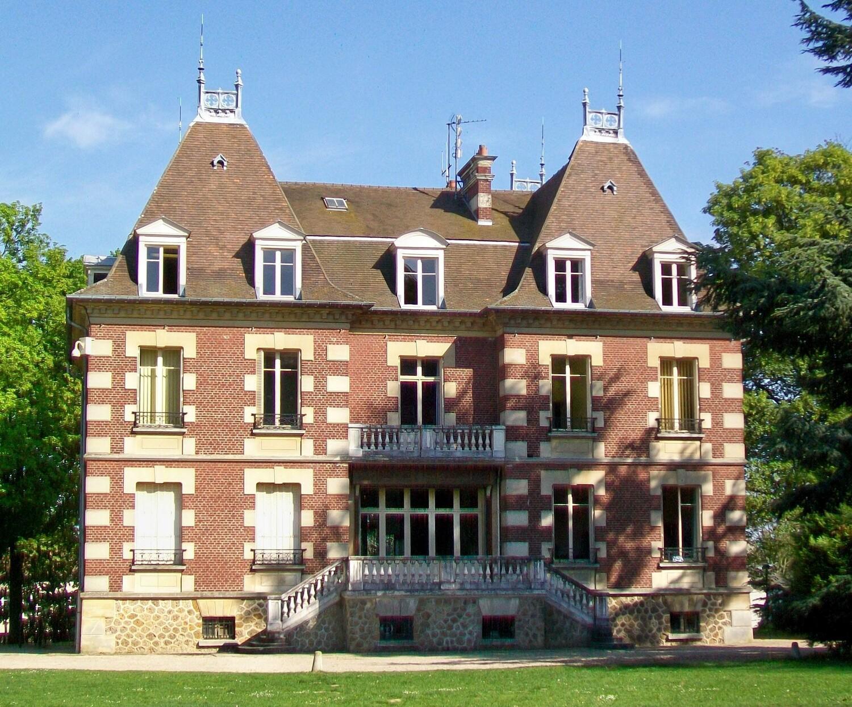 façade de la mairie de Survilliers