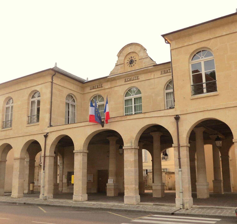 façade de la mairie de La roche-guyon