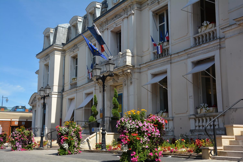 façade de la mairie de Saint-leu-la foret