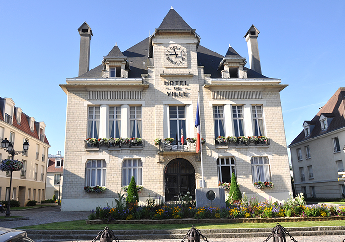 façade de la mairie de Deuil-la-barre