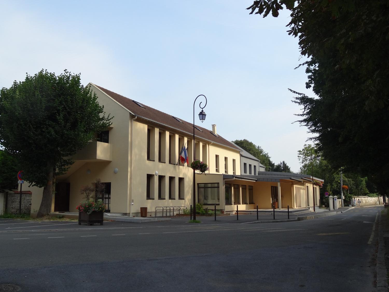 façade de la mairie de Chaumontel