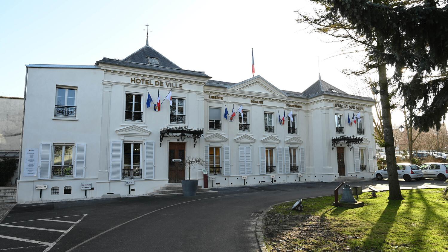 façade de la mairie de Herblay-sur-seine