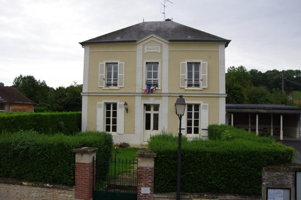 façade de la mairie de Montreuil-sur-epte