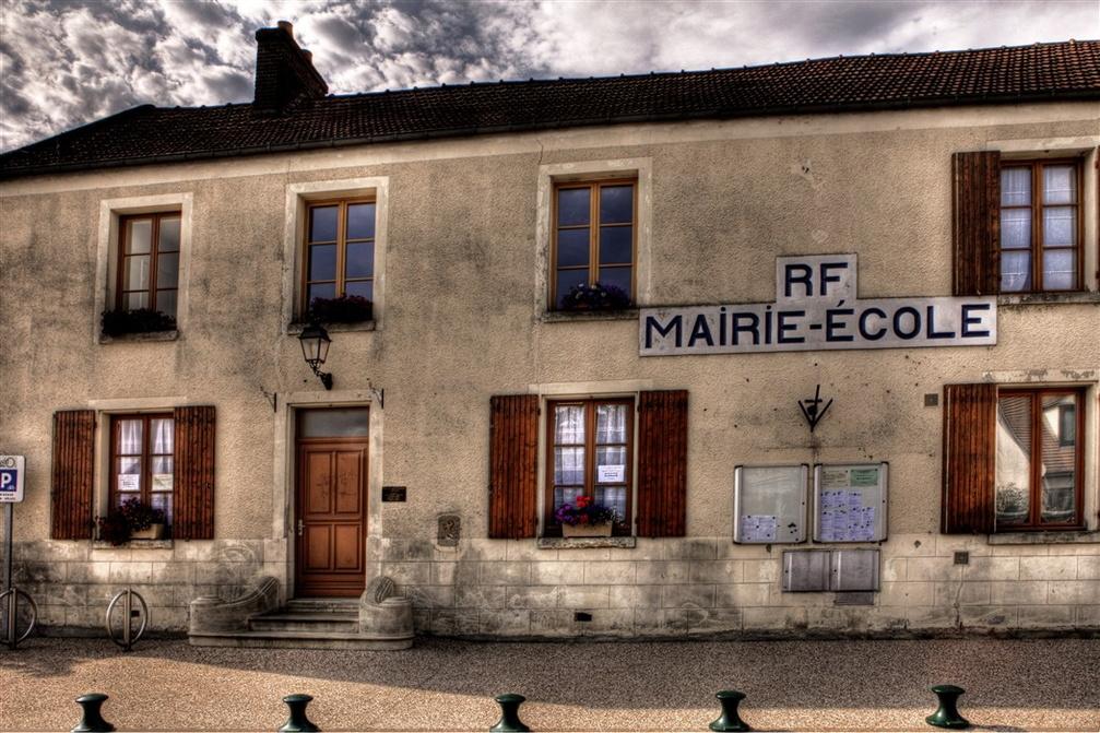 façade de la mairie de Puiseux-pontoise