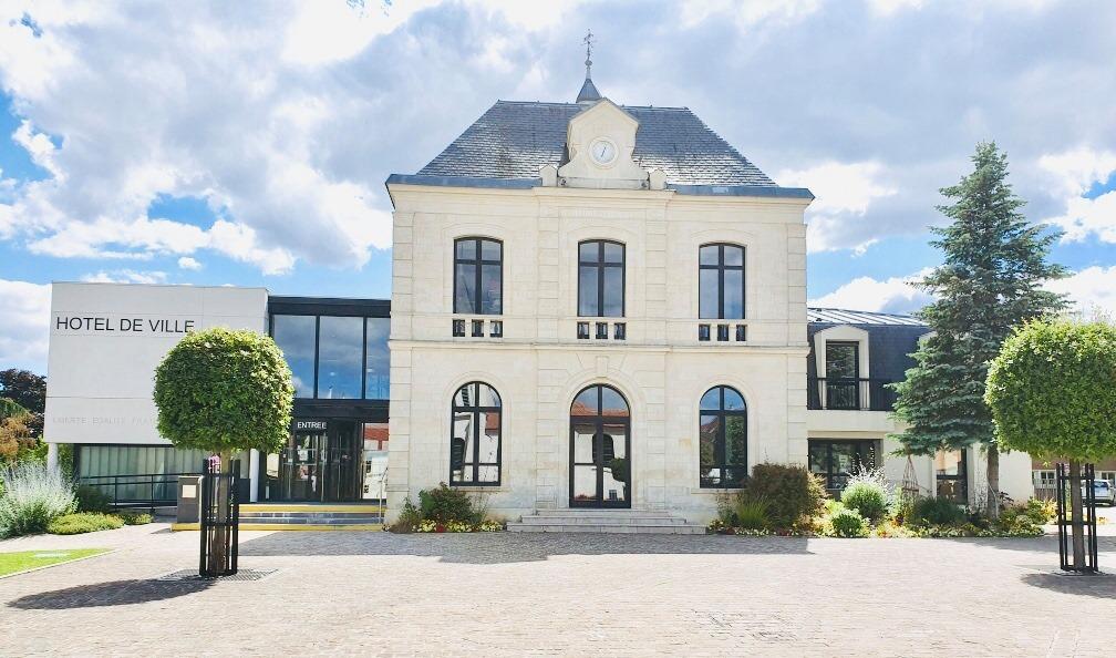 façade de la mairie de Le plessis-bouchard